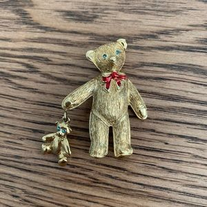 Carolee Teddy Bear Brooch / Pin